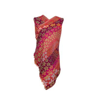 Peachy Daisies Merino Wool by Caraliza Designs